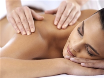 MALO Clinic Beauty Care | Massagem Relax ou Pedras Quentes - 50 ou 90 Min. | Lisboa desde 39.99€!