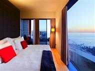 Fuga Romântica ao Norte no Golden Tulip Porto Gaia Hotel & SPA 4* com Jantar no Restaurante Casa Branca desde 29€. Aproveite a vista deslumbrante!