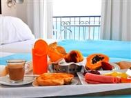 Hotel Mar Bravo: 1 ou 2 Noites com Vista Mar na Nazaré com Oferta de Fondue de Chocolate e Frutas.