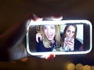O Segredo das Selfies Perfeitas: Capa Luminosa para Samsung Galaxy S6 e iPhone 6, 6S e 7.