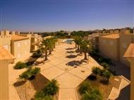 FÉRIAS no CARVOEIRO: 2, 3, 5 ou 7 Noites na Quinta Polaris em Apartamento até 8 Pessoas no Algarve.