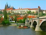 PRAGA: 5 Dias na Cidade Dourada construída nas margens do Rio Moldava com Voo.