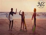 5 AULAS de Surf na Praia de Santa Cruz com a Surfcamp 360º. Para si e para os seus amigos.