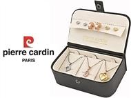 Conjunto Pierre Cardin Triple Dream com 3 Colares, 3 Pares de Brincos e 3 Pendentes.
