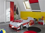 Cama de Solteiro em Vermelho e Preto. Um design divertido com formato de um carro da Fórmula 1