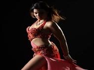 Um Mês de Aulas de Dança Oriental para Adulto ou Criança, com Cátia Ahlam. Surpreenda e deixe-se Sur